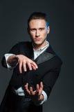 Фокусы показа волшебника человека Стоковая Фотография RF