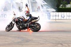 Фокусы Narcis Roca с мотоциклом Стоковые Фото