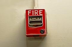 фокус пожара поля dept кнопки сигнала тревоги отмелый Стоковая Фотография