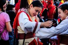 Фольклорные танцоры на день ` s национального суверенитета и детей - Турция Стоковая Фотография RF
