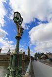 Фонарик на мосте Вестминстера Стоковые Фото