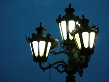 фонарик освещает улицу Стоковые Изображения RF