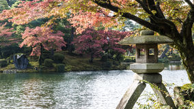 Фонарик Kotoji в саде Kenrokuen Стоковые Изображения RF