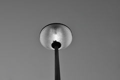 Фонарный столб в черно-белом Стоковые Фото