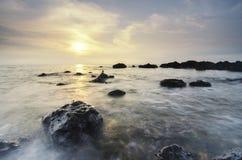 Фоновое изображение, заход солнца и тропический пляж Стоковая Фотография RF