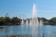 Фонтан в парке атракционов Стоковые Изображения