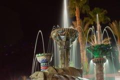 Фонтан города собора в Coachella Valley стоковая фотография rf