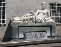 Фонтан города Турина с большой статуей женщины представляя стоковое фото rf
