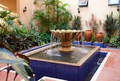 фонтан двора Стоковое Изображение RF