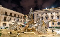 Фонтан Дианы в Сиракузе, Италии стоковое изображение
