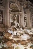 Фонтан и Нептун Trevi вечером в Риме стоковое фото rf