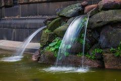 Фонтан и waterworks в городе Дрездене, Германии Стоковые Изображения RF