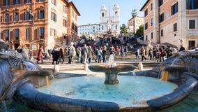 Фонтан на Аркаде di Spagna и шагах в Риме Стоковые Фото
