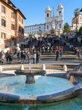 Фонтан на испанских квадрате и шагах в Рим Стоковая Фотография