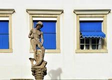 Фонтан на квадрате Hechplatz в старом городе Цюриха Стоковое фото RF
