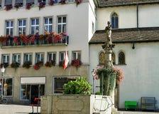 Фонтан на квадрате Munzplatz в старом городе Цюриха Стоковое фото RF