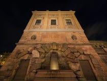 Фонтан на королевском дворце Стокгольм Швеция 31 07 2016 Стоковая Фотография