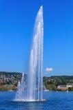 Фонтан на озере Цюрихе в Швейцарии Стоковые Изображения