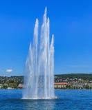 Фонтан на озере Цюрихе в Швейцарии Стоковое фото RF