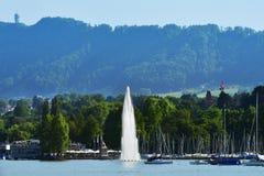 Фонтан на озере Цюрих, Швейцарии Стоковая Фотография