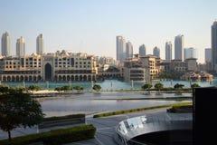 Фонтан & озеро Дубай Стоковое Изображение