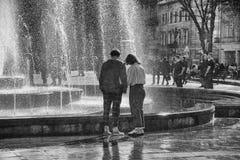 Фонтан около оперы Львова стоковая фотография