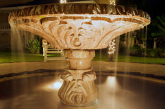 фонтан осветил ночу Стоковое Изображение RF