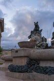 Фонтан с скульптурой волка Стоковое Фото