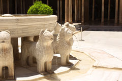 Фонтан льва в замке Альгамбра, Испании Стоковые Изображения