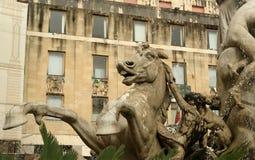 Фонтан Artemide. Сиракуз (Siracusa, Sarausa) стоковое изображение