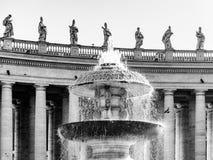 Фонтан Bernini на базилике St Peters Квадрат St Peters, Ватикан стоковые фото