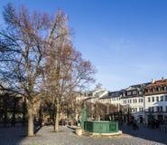 Фонтан Goethe на квадрате Frauenplatz Стоковые Фотографии RF