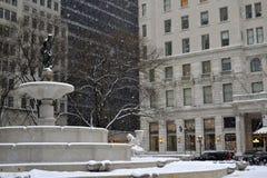 Фонтан Pulitzer под снегом Стоковое Изображение