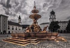 Фонтан Residenzbrunnen-Зальцбург-Австрия Стоковые Фото