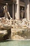 Фонтан Trevi в Риме со скульптурой Нептуна стоковое изображение rf