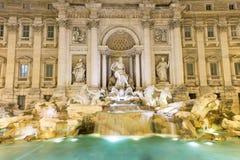 Фонтан Trevi (Фонтана di Trevi) в Риме Стоковые Фотографии RF