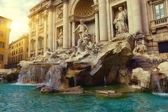 Фонтан Trevi (Фонтана di Trevi) в Риме стоковая фотография