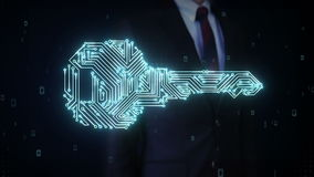 Форма бизнесмена касающая ключа, цепи световых маяков монтажной платы, безопасности, решения находки, технологии безопасности акции видеоматериалы