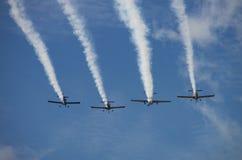 Форма конденсационных следов от винтажных самолетов Стоковое Изображение