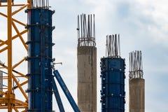 Форма-опалубка для лить бетона Бетон и штендеры и рамка утюга на строительной площадке стоковое фото rf