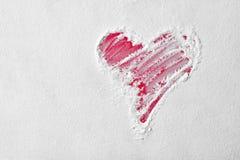 Форма сердца в муке на красной доске вектор знака сетки влюбленности Стоковое фото RF
