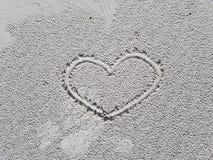 Форма сердца на пляже Стоковые Фотографии RF