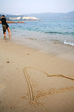 форма сердца пляжа стоковое фото rf