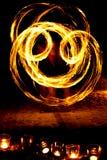 Форма сердца горящих свечей на том основании на предпосылке  Стоковая Фотография RF