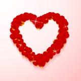 Форма сердца сделанная из лепестков розы Стоковое Изображение