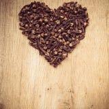 Форма сердца сделанная от гвоздичных деревьев специи Стоковое Изображение