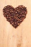 Форма сердца сделанная от гвоздичных деревьев специи Стоковые Изображения RF
