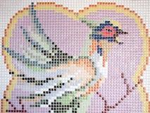 Форма формы птицы на кирпиче Стоковые Фотографии RF