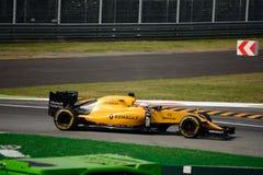 Формула 1 Renault на Монце управляемой Кевином Magnussen Стоковое Фото