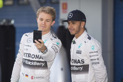 Формула 1, 2015: Selfie Nico Rosberg и Левиса Гамильтона Стоковая Фотография RF
